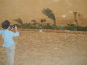 Linda in the sandstorm